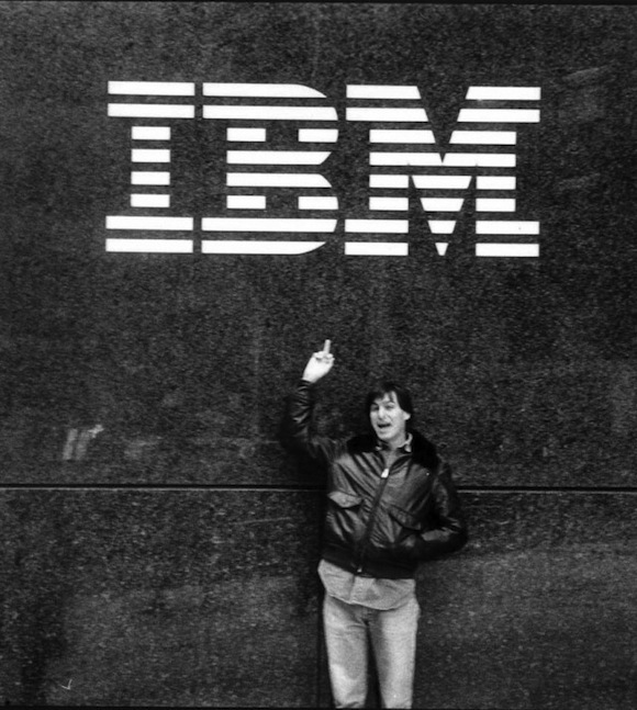 Steve Jobs flips finger at IBM